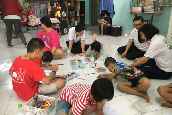Christmas-Celebration-with-Care-Haven-Charity-Centre-2018-8
