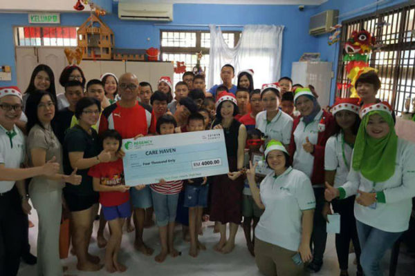 Christmas-Celebration-with-Care-Haven-Charity-Centre-2018-9